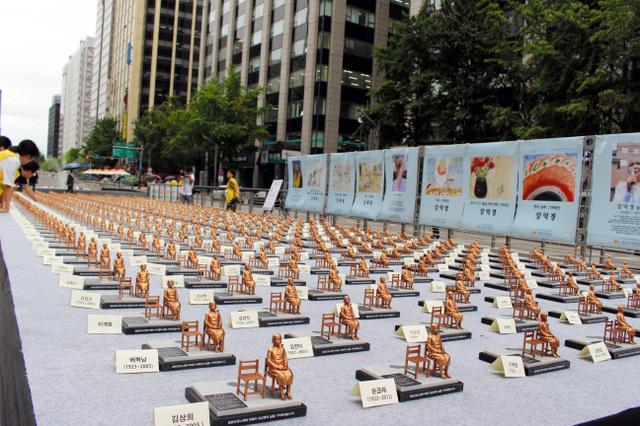 韓国、500人分のミニ少女像「世界慰安婦の日が(8月14日)」3