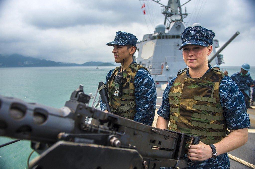 アメリカ駆逐艦衝突、最新鋭艦がなぜ回避できなかったのか?の画像