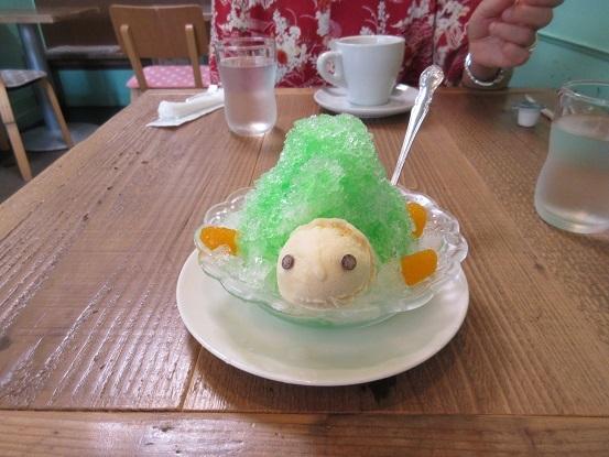 11K01 亀のかき氷 0824