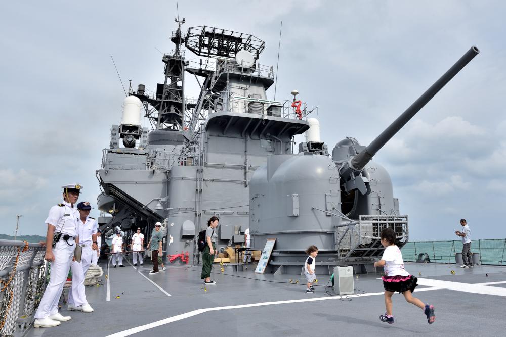 日本の海を守る海上自衛隊 護衛艦「しまかぜ」 まったり一般見学日記 ...