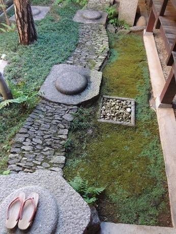 奈良格子の家中庭