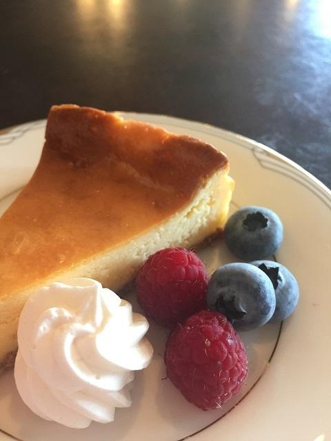 玄柳館ホテル バー ディー ベイクドチーズケーキ