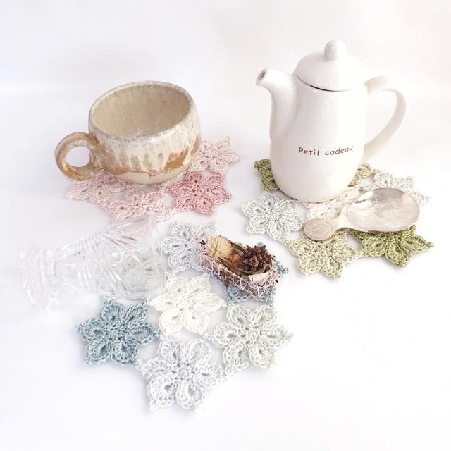 手編み雑貨 HanahanD レース編みモチーフ繋ぎの花ドイリー敷物