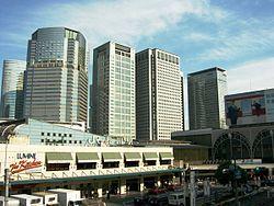 250px-Shinagawa_Station_20070504-02.jpg