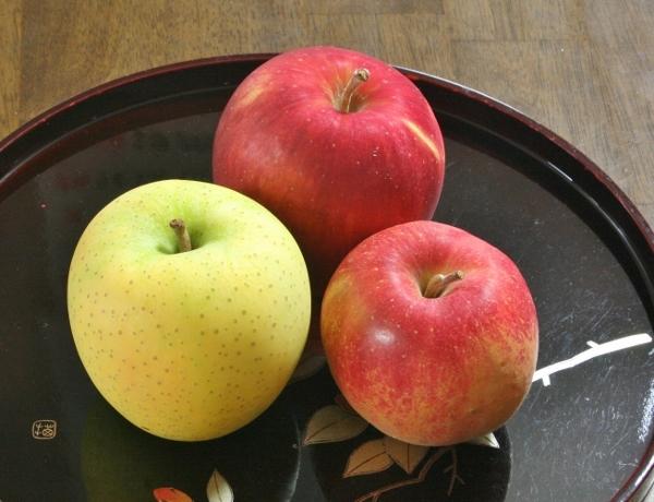 IMG_0613 岩手のリンゴ(600x460)