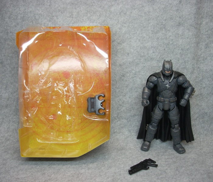 ARMORED BATMAN-005