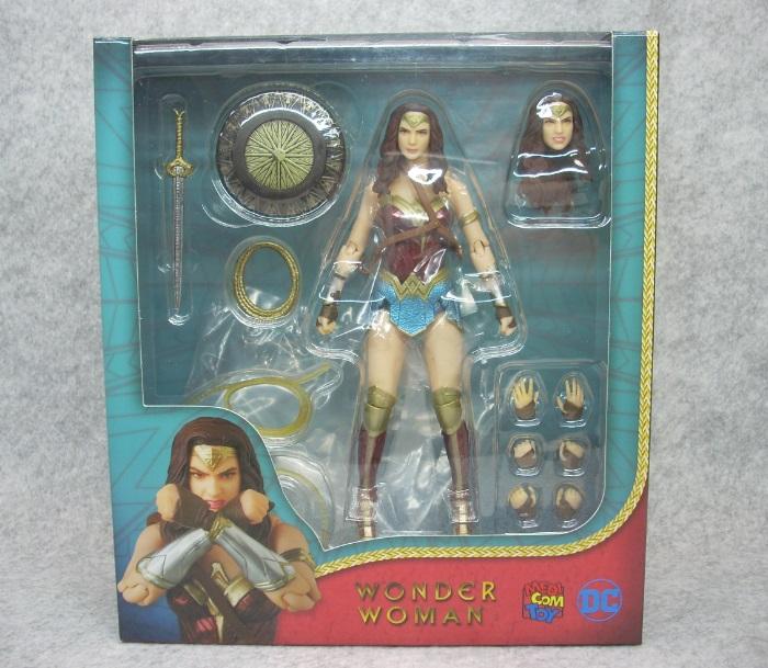 WONDER WOMAN-001
