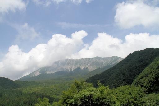 鍵掛峠からの大山南壁