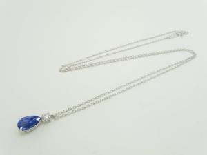 サファイヤとダイヤのネックレス1
