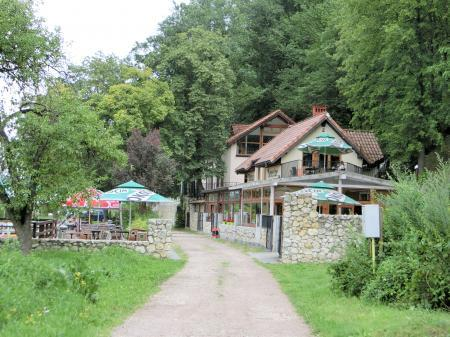 カフェレストラン(ティニエツ修道院)1