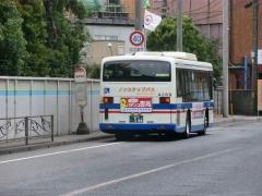 降車ポールと臨港バス