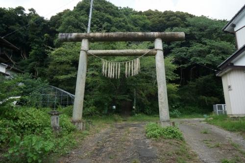 2なんとか神社 (1200x800)