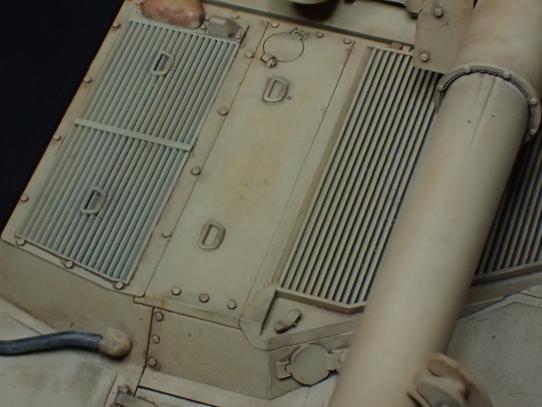 M109パラディン自走砲 エンジンデッキ