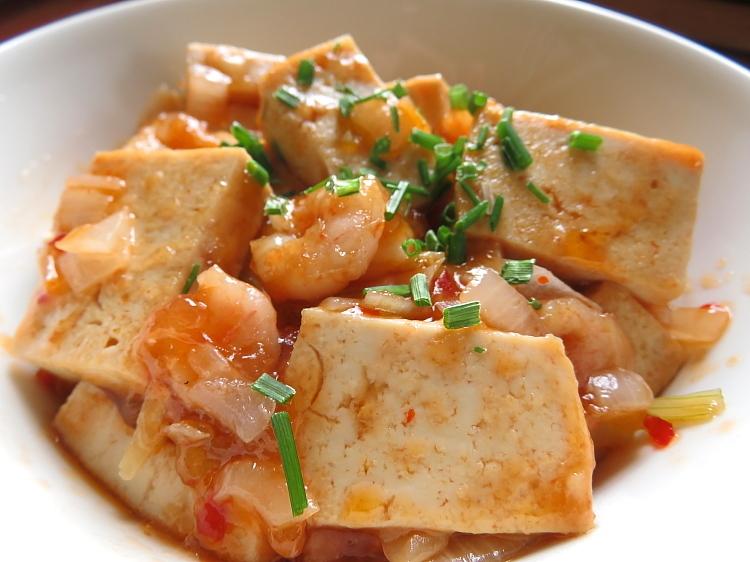 フィンランド Lidl オーガニック 豆腐 えびチリ豆腐
