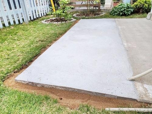 コンクリート基礎の型枠を外すときがきた!仕上がりはいかに?!