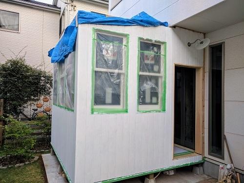 オーダーメードのサンルーム製作~『外壁の塗装始めました』