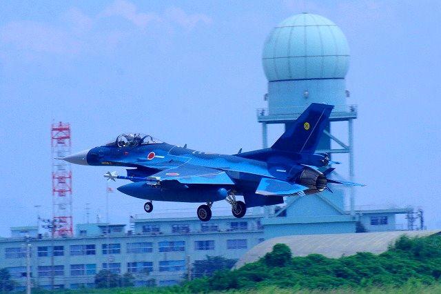 F2戦闘機帰還