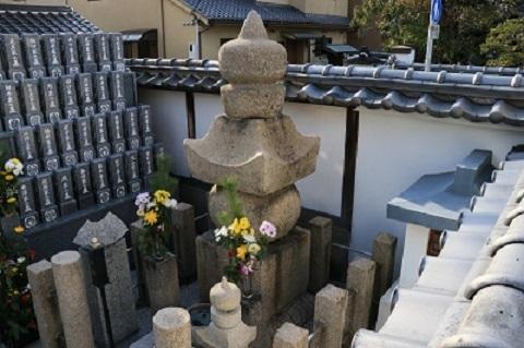 ssIMG_6138 佐々長政(切腹)の墓