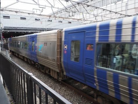 JR四国 8000系 電車 特急 しおかぜ【岡山駅】
