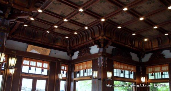 メインダイニングルーム「ザ・フジヤ」天井