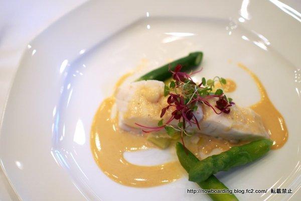真鯛のブレゼノイリーソース