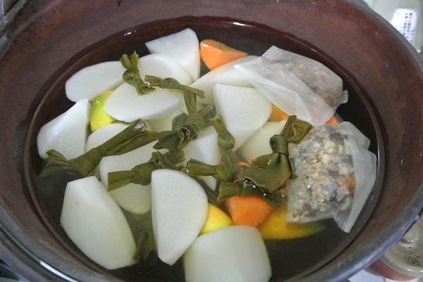 塩豚と大根の煮物おでん風