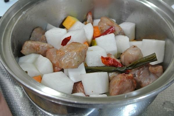 塩豚と大根の煮物6