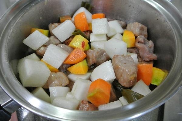 塩豚と大根の煮物7