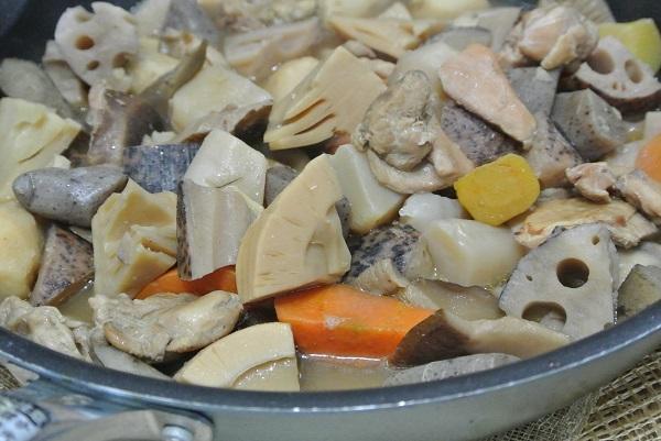 根菜と長芋のソースグラタンいり鶏