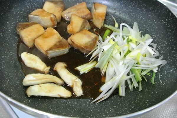 ブリの照り焼き丼5