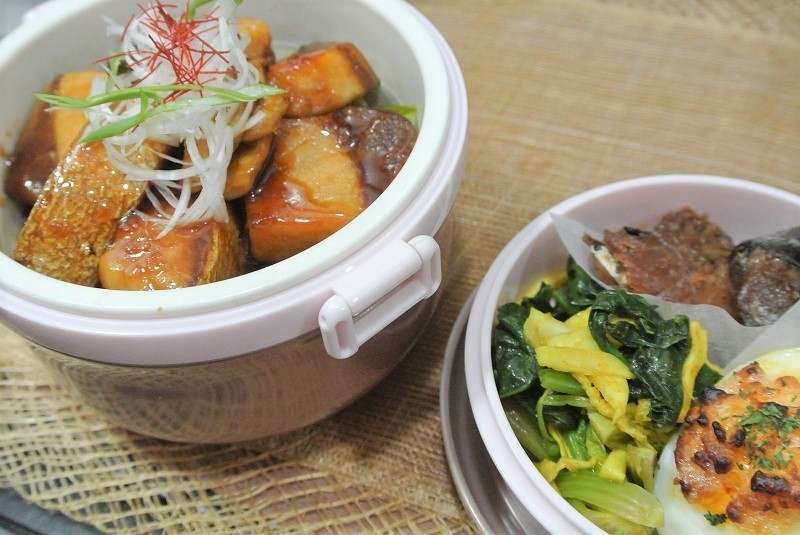 ブリの照り焼き丼弁当 (2)