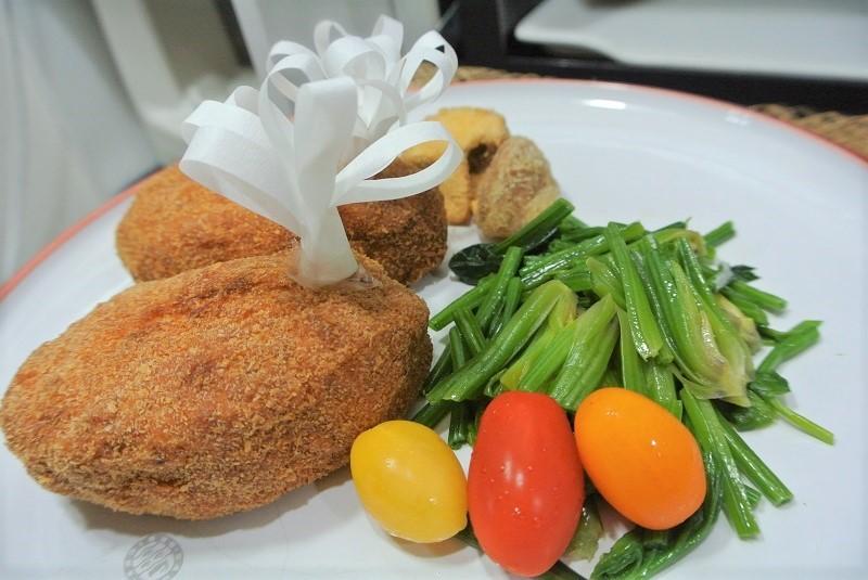 鶏ひき肉の親子カツ8 (2)