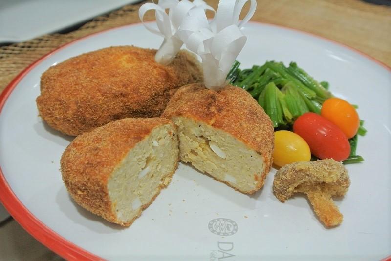 鶏ひき肉の親子カツ (2)