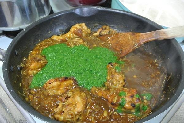 小松菜と手羽元のカレー10