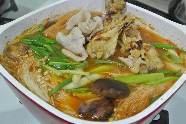 砂肝と手羽元のキムチ鍋5