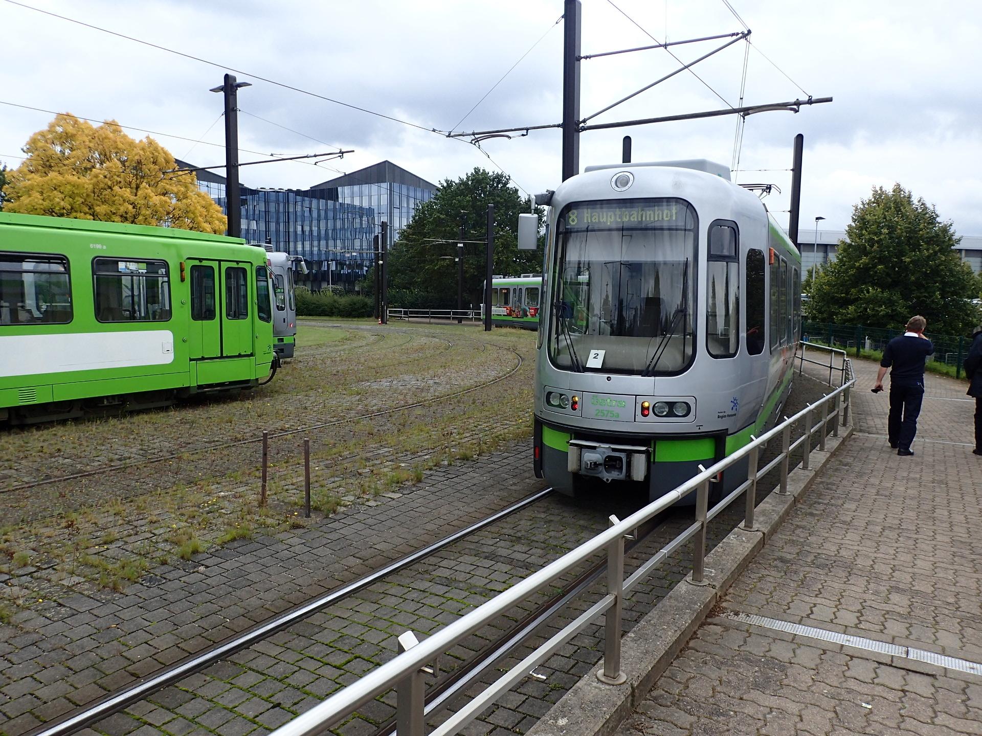 会場アクセスに利用した電車Ustraです。
