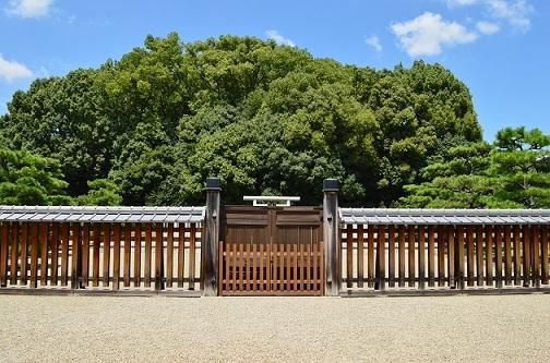 開化天皇 春日率川坂上陵(奈良県奈良市)