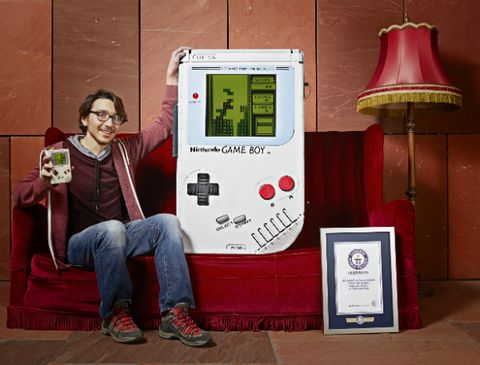 20170926a_TheLargestGameBoy_01.jpg