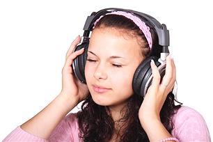 同じ曲が頭の中でリピートする『イヤーワーム』を止める方法! あなたの『イヤーワーム』は?