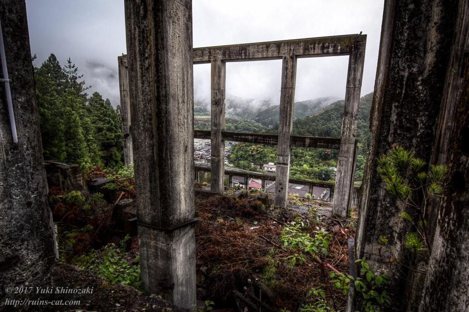紀州鉱山(紀和鉱山)_選鉱場最上部からの眺め