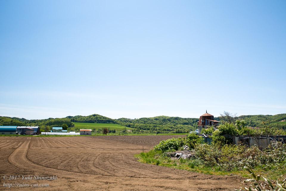【廃墟写真】苫前町岩見のサイロ跡_酪農地帯のサイロ