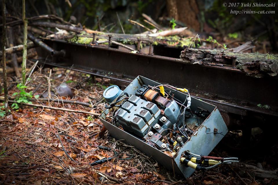紀州鉱山(紀和鉱山)_頂上付近に落ちていた変圧器?