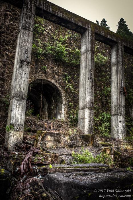 選鉱場中腹付近にあったトンネル