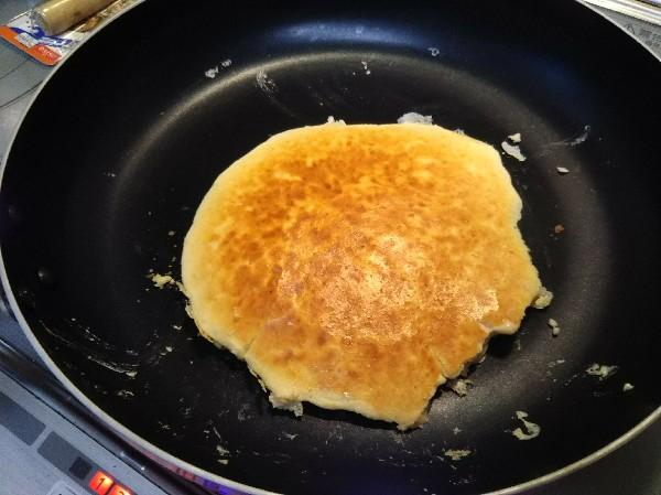 材料2つの簡単プロテインパンケーキ