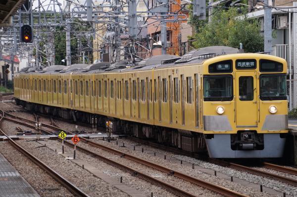 2017-09-23 西武2523F_2517F 各停西武新宿行き 5322レ