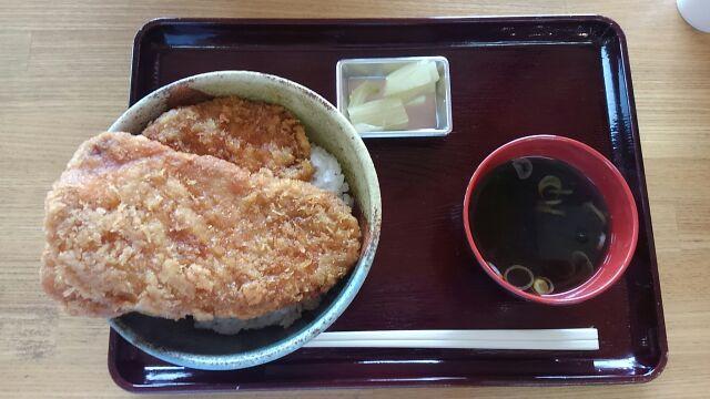 わらじかつ丼2017