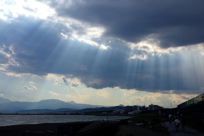 scenery16ts_44b.jpg