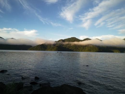 中禅寺湖で朝が来た (5)