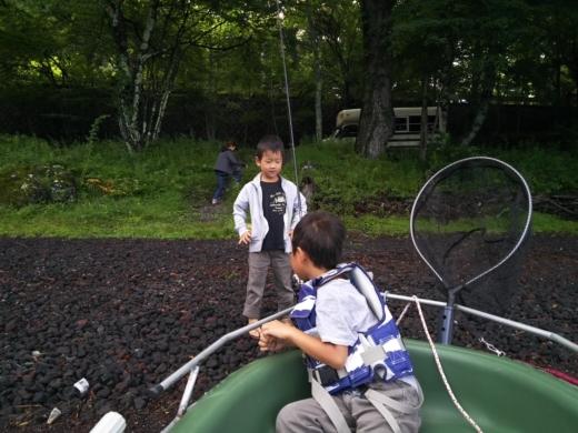 中禅寺湖でボート (6)