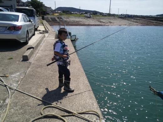 冨浦漁港で釣り (48)